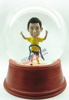 Male coming in first from race - runner personalized snow globe