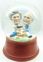 Couple having picnic personalized snow globe