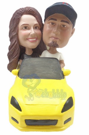 couple in sporty car custom bobble head doll 2